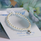 "CJ-5005  Stretchy 5"" Top Selling Glass Pearl Bracelet with Sterling Silver Puff Heart"
