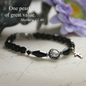 IN-386  One Pearl of Great Value Beaded Bracelet
