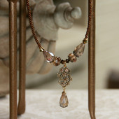 IS-564  Detailed beautiful Crystal Beaded Necklace