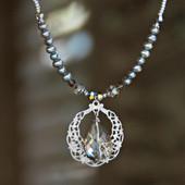IS-694  Teardrop of Beauty Crystal Necklace