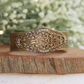 ART-151  Vintage Laurel Pattern Cuff Bracelet
