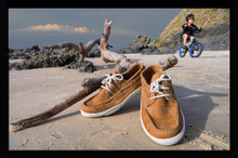 Classy and durable, these comfortable Auguin Boatshoes are what you have been looking for!   FOR WHOLESALE PLEASE CONTACT US