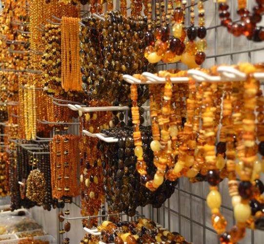 Buying wholesale Baltic amber jewelry