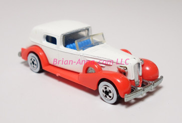 Hot Wheels Prototype of '35 Classic Caddy in white with red fenders