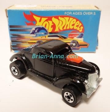 Hot Wheels Leo Mattel India, Boxed, Neet Streeter in Black, White Medusa tampo
