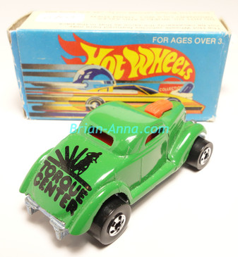 Hot Wheels Leo Mattel India, Boxed, Neet Streeter in Light Green, Black Torque Center tampo