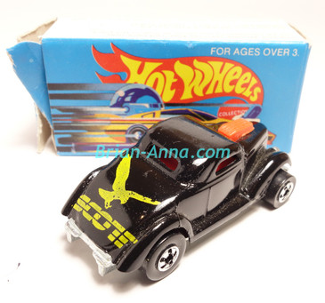 Hot Wheels Leo Mattel India, Boxed, Neet Streeter in Black with Rare Yellow SCOT tampo