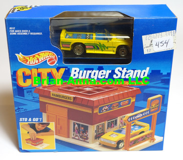 Hot Wheels Sto & Go Burger Stand, Yellow Mini Truck w/UHG wheels