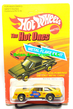 "Hot Wheels Metalflake Gold Flat Out 442 w/hogd wheels, ""The Hot Ones"" unpunched card (ms3-575)"