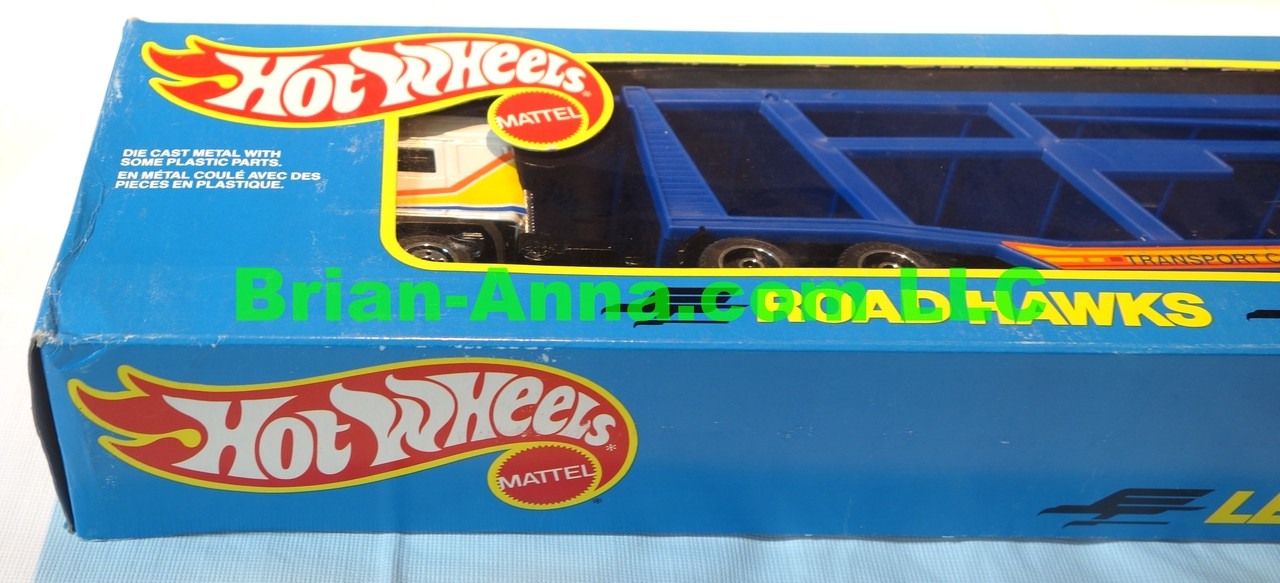 Hot Wheels Road Hawks Car Transport 1/43 Scale Trucks