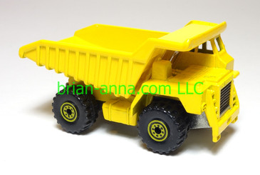 Hot Wheels Dump Truck, Caterpillar Yellow, metal bed, ctyw wheels, Malaysia base, loose