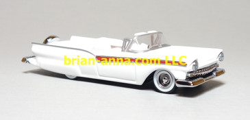 Hot Wheels 1957 Ford Fairlane Convertible in White, Legends Series
