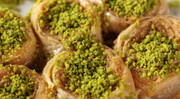 Small Tray of Saray Sarma Round Baklava w/ Walnuts & Pistachio nuts (1 Tepsi) - 45 Pcs