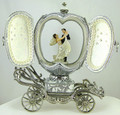 Wedding Carriage - Musical Egg
