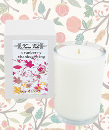 A blend of mildly sweet citrus notes with tart cranberry and a hint of spice.  Soy wax content is 8.5 oz resulting in up to 50 hours burn time.