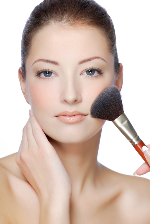 woman-applying-foundation.png
