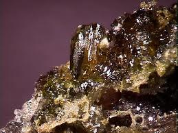 zinc-ore-or-zincite.jpg