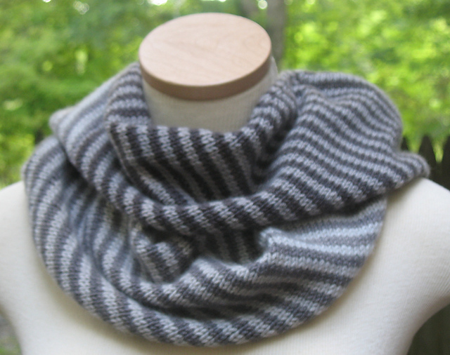 endless-ombre-cowl-grey.jpg