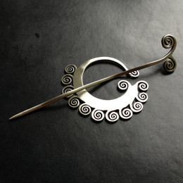 Jul Shawl Pin, Coil/SP49