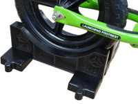 STRIDER Interlocking Bike Stand