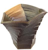 17-1 Modern Flower Vase