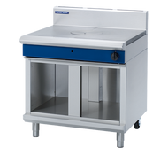 Blue Seal Evolution Series G57-CB - 900mm Gas Target Top Cabinet Base. Weekly Rental $84.00