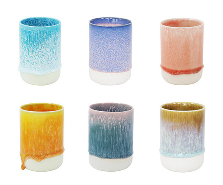 Each slurp cup is one of a kind. Colours will vary.