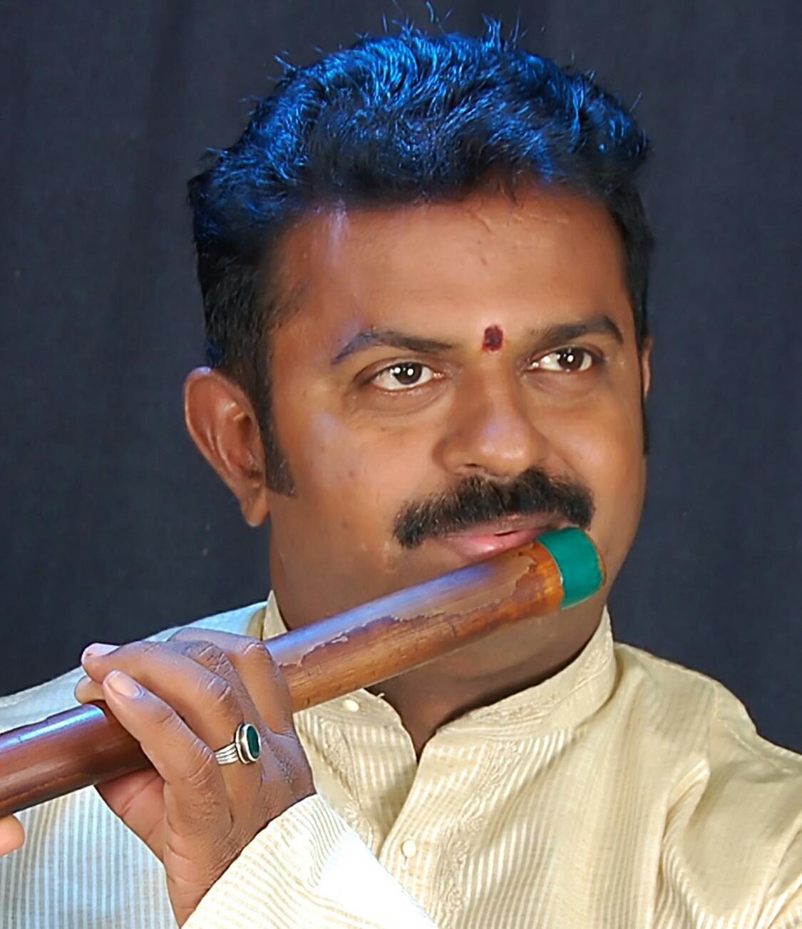 sri.raghavendrachar-flute.jpg