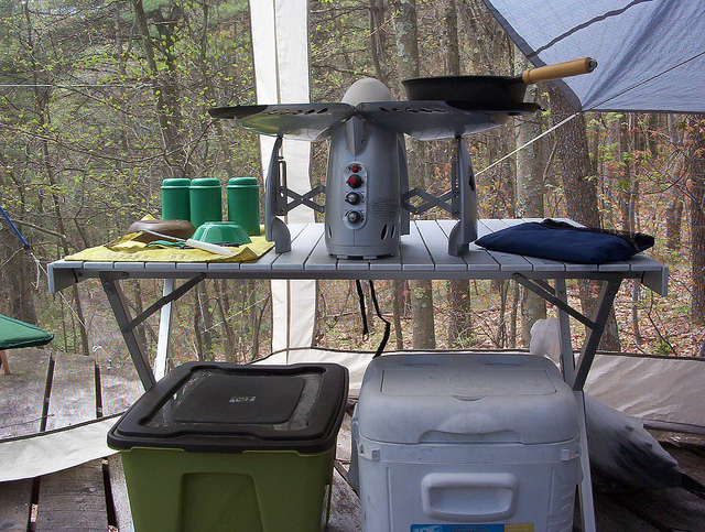 camping-kitchen.jpg