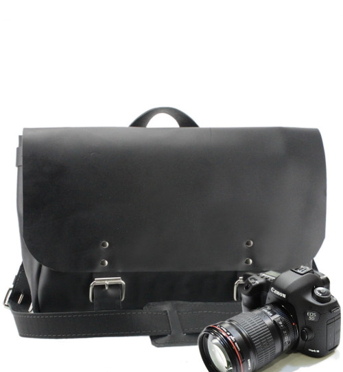 "14"" Medium Lewis & Clark Camera Bag in Black Leather"
