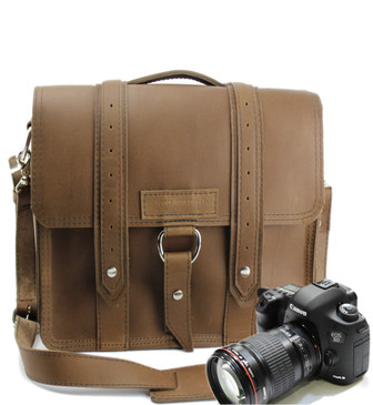 "10"" Small Safari Napa Camera Bag in Brown Oil Tanned Leather"