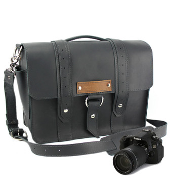 "14"" Medium Newport voyager Camera Bag in Black Leather"
