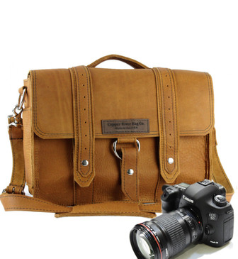 "15"" Large Sonoma Voyager Camera Bag in Tan Grizzly Leather"