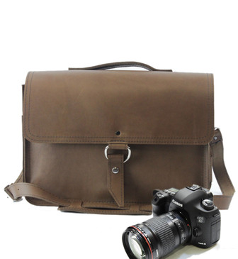 "15"" Large Midtown Sonoma Camera Bag in Brown Oil Tanned Leather"