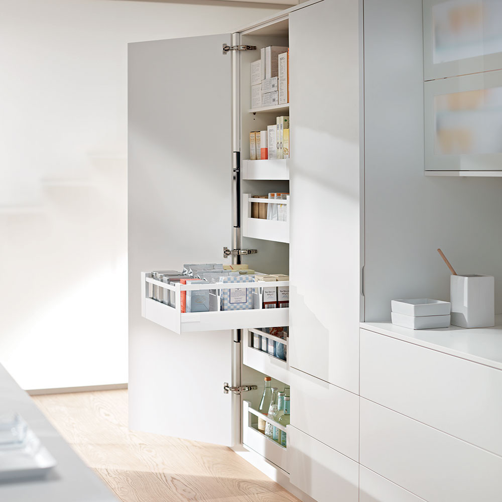 Blum larder drawers antaro clutterfree kitchens for Tall kitchen drawer unit