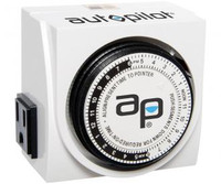 Autopilot Dual-Outlet Analog Grounded Timer