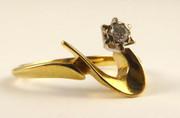 Vintage 18ct Gold Modernist Designed Ring with Diamond Size L
