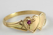 Vintage 9ct Gold Twin Heart Shaped Ring with Ruby Size K