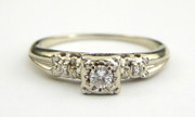 Vintage 14ct Gold Ring with Diamonds Setting Size T