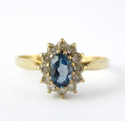 Hallmarked 9ct Gold Cluster Ring with Central Blue Topaz Stone & Cubic Zirconia