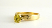 Beautiful Vintage 9ct Gold Ring Set with Yellow Sapphire Size Q $245au