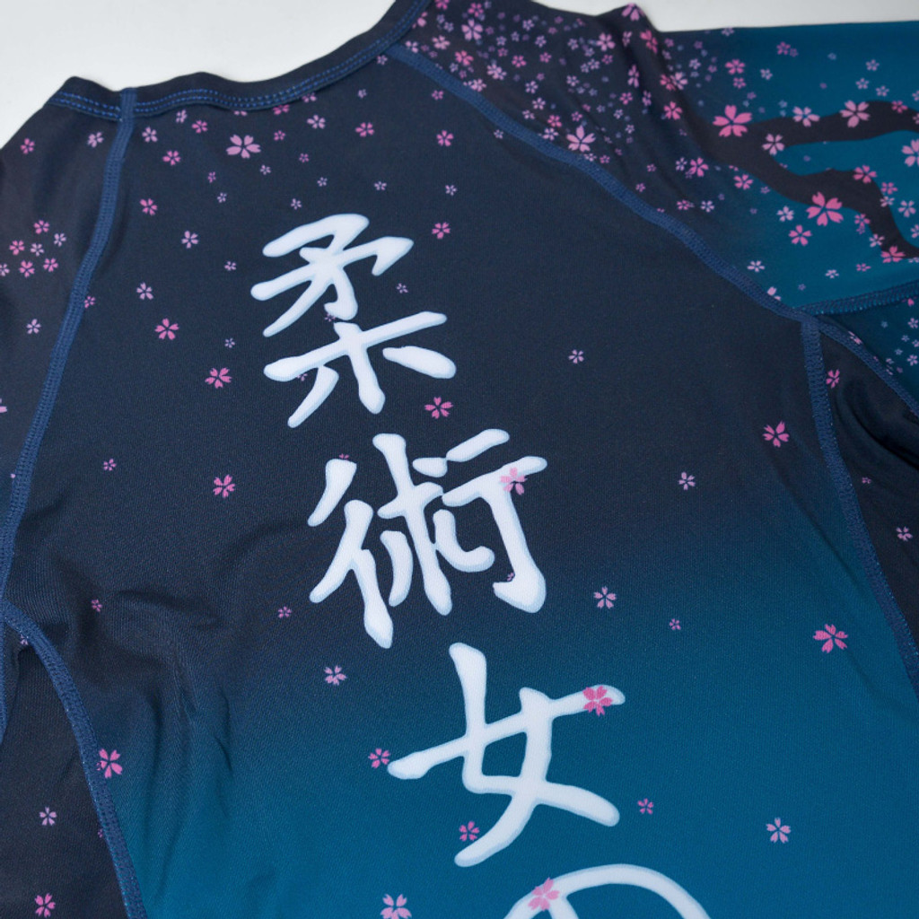 "MANTO ""SAKURA""RASHGUARD Blue"