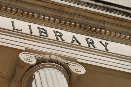 Pronouncing Words for Spelling: library or libary?