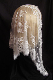 French Floral Mantilla Chapel Veil in Off-White
