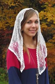 Starter Mantilla Veil in Off-White