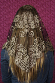 Black and Gold Spanish Camellia Mantilla