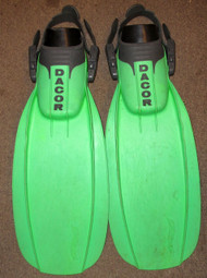 Used Dacor Pursuit Fins - Medium