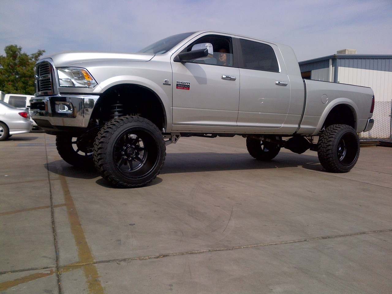 2009 2012 dodge ram 3500 lift kit 8 4wd diesel motor wshocks - 2015 Dodge Ram Lifted