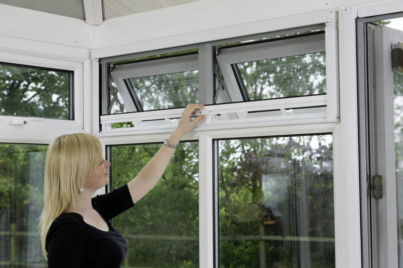 How To Keep A Conservatory Cool Diyflyscreens Co Uk