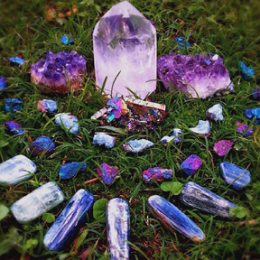 crystals-gemstones-magic.jpg
